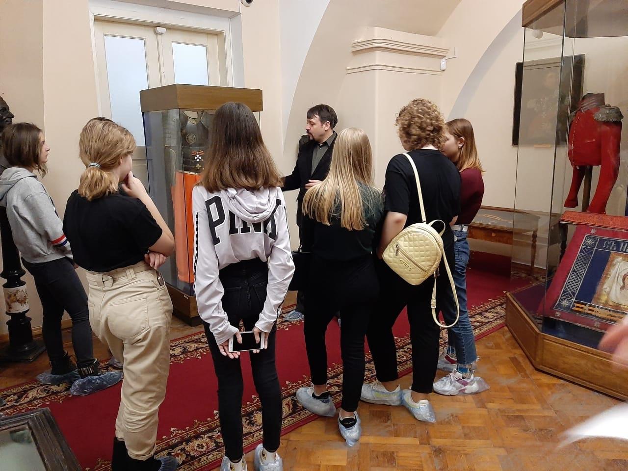 Музей Атаманский дворец посетили учащиеся гимназии ДГТУ